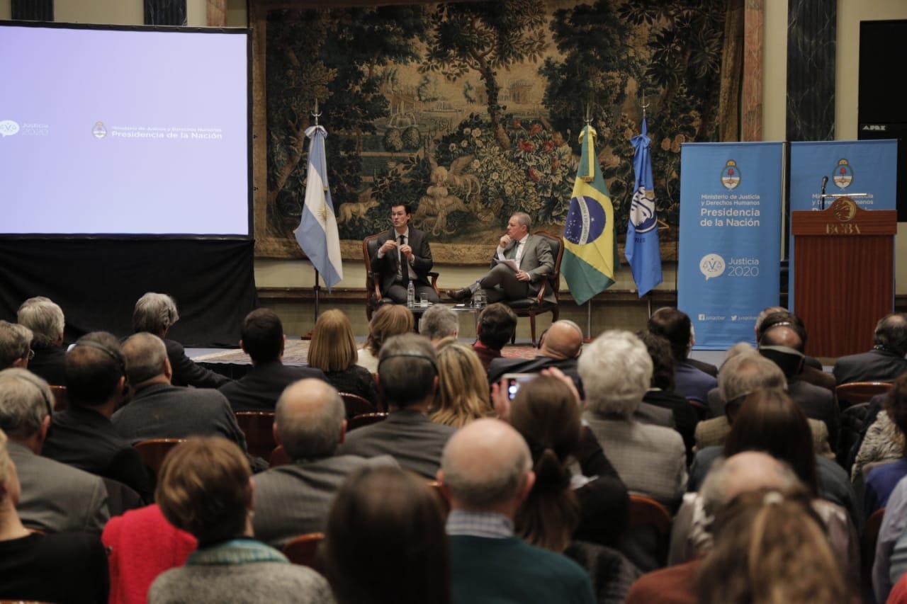 El jefe del equipo fiscal de la Operación Lava Jato, Deltan Dallagnol en  Buenos Aires