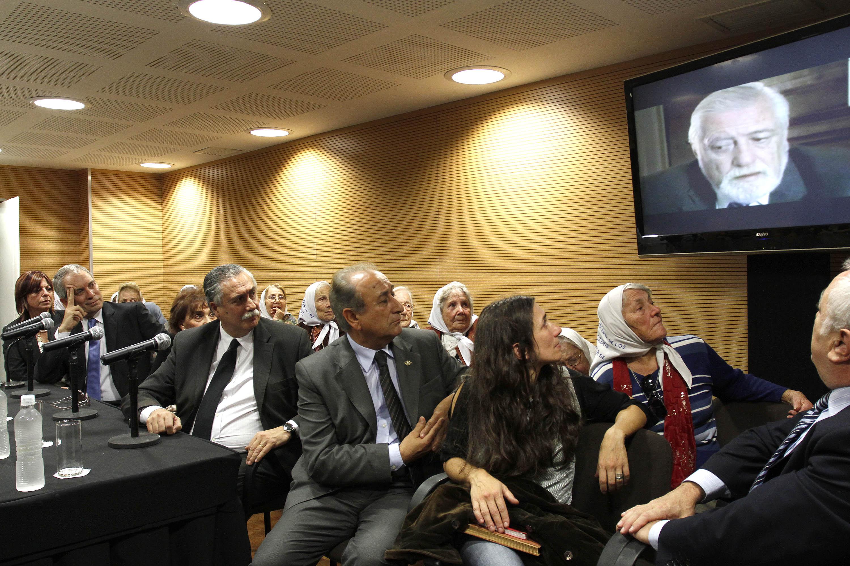Emotivo homenaje a Eduardo Luis Duhalde a un mes de su fallecimiento