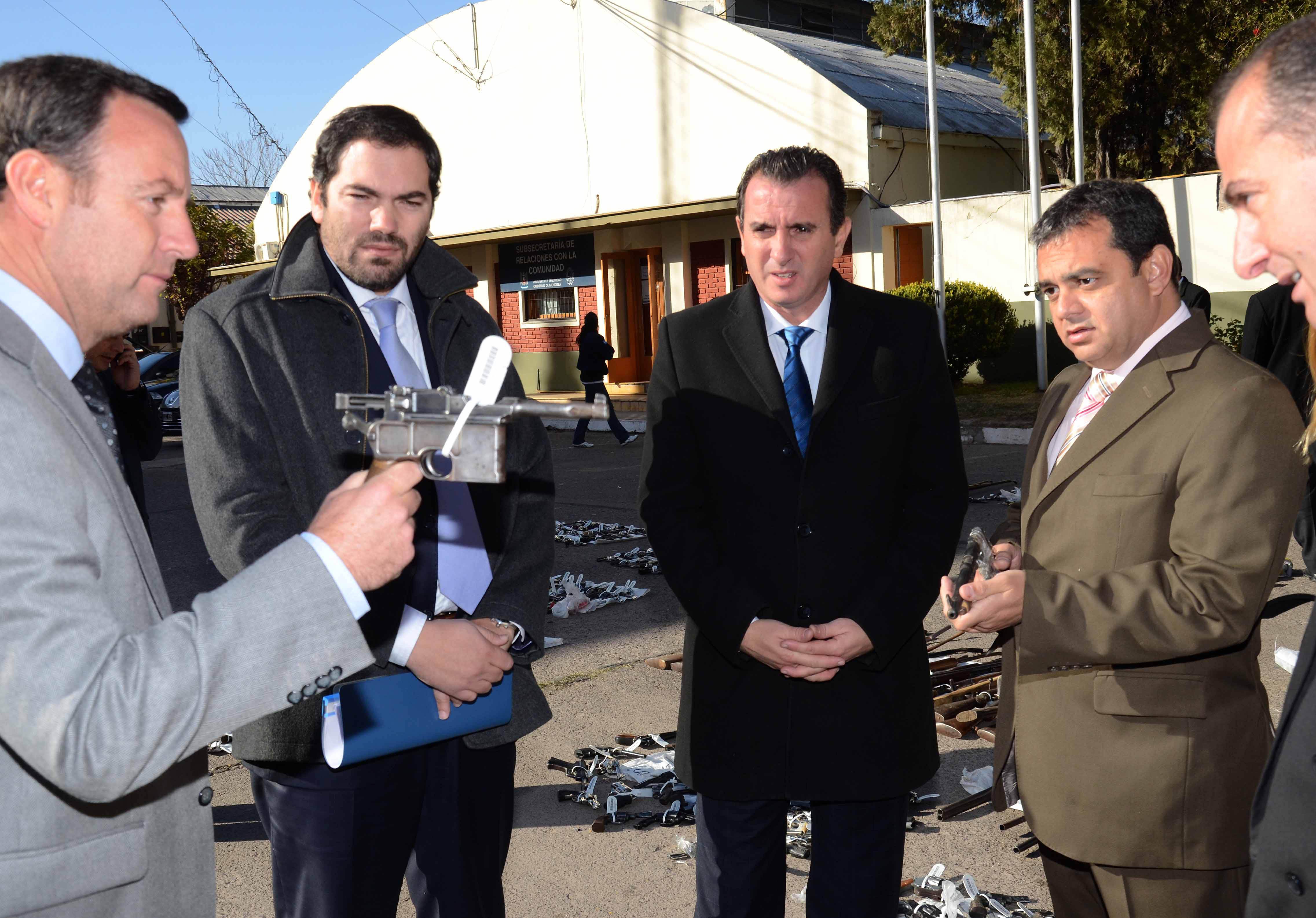 Mendoza: El Plan de Desarme Civil recuperó más de mil  armas y 5000 municiones
