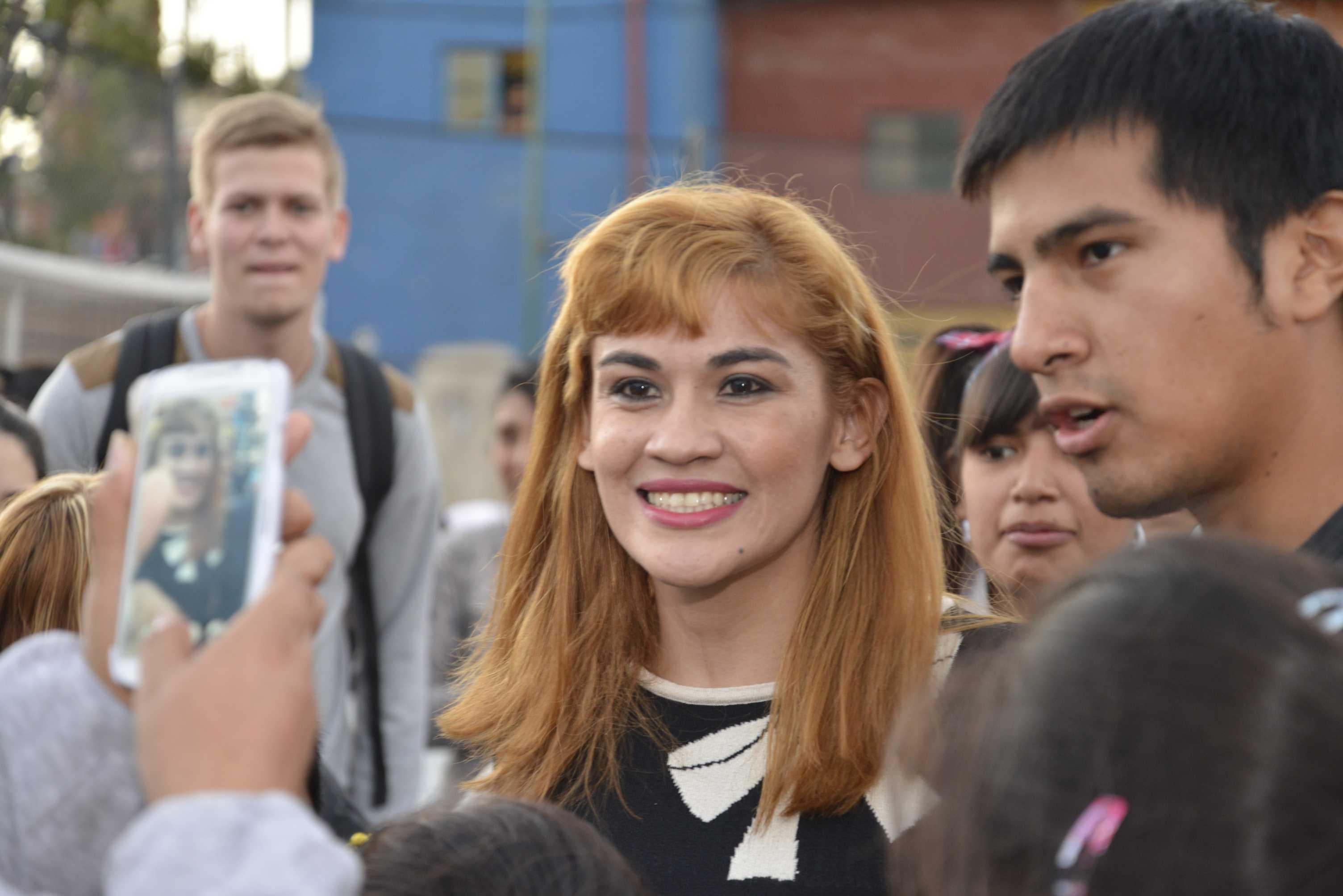"""La """"Tigresa"""" Acuña ofreció una clínica deportiva en el Centro de Acceso a la Justicia de la villa 1.11.14"""