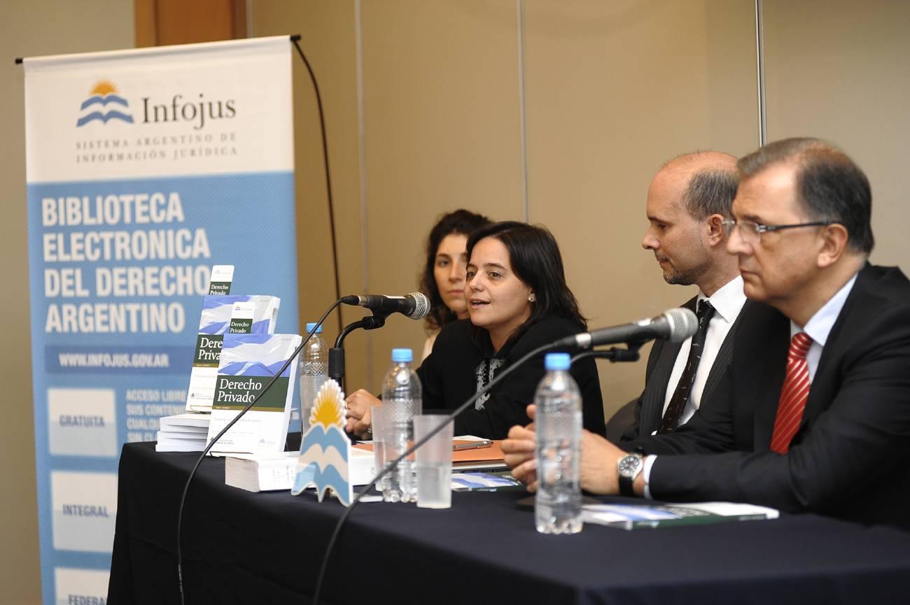 Con una charla sobre el proyecto de reforma del Código Civil y Comercial finalizó la presentación de Infojus en la Feria del Libro