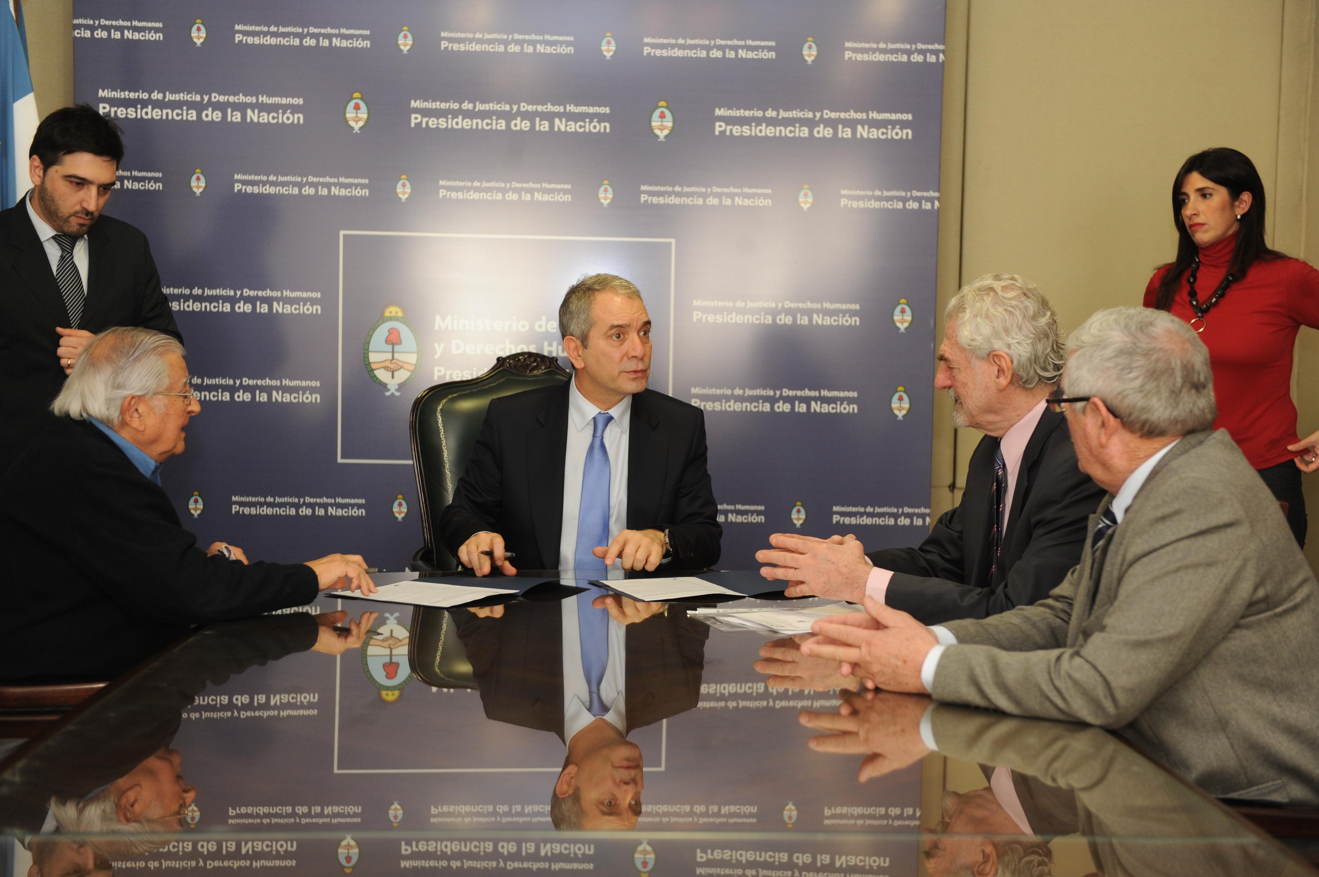 El Ministerio de Justicia ratificó su respaldo financiero a la Asamblea Permanente por los Derechos Humanos