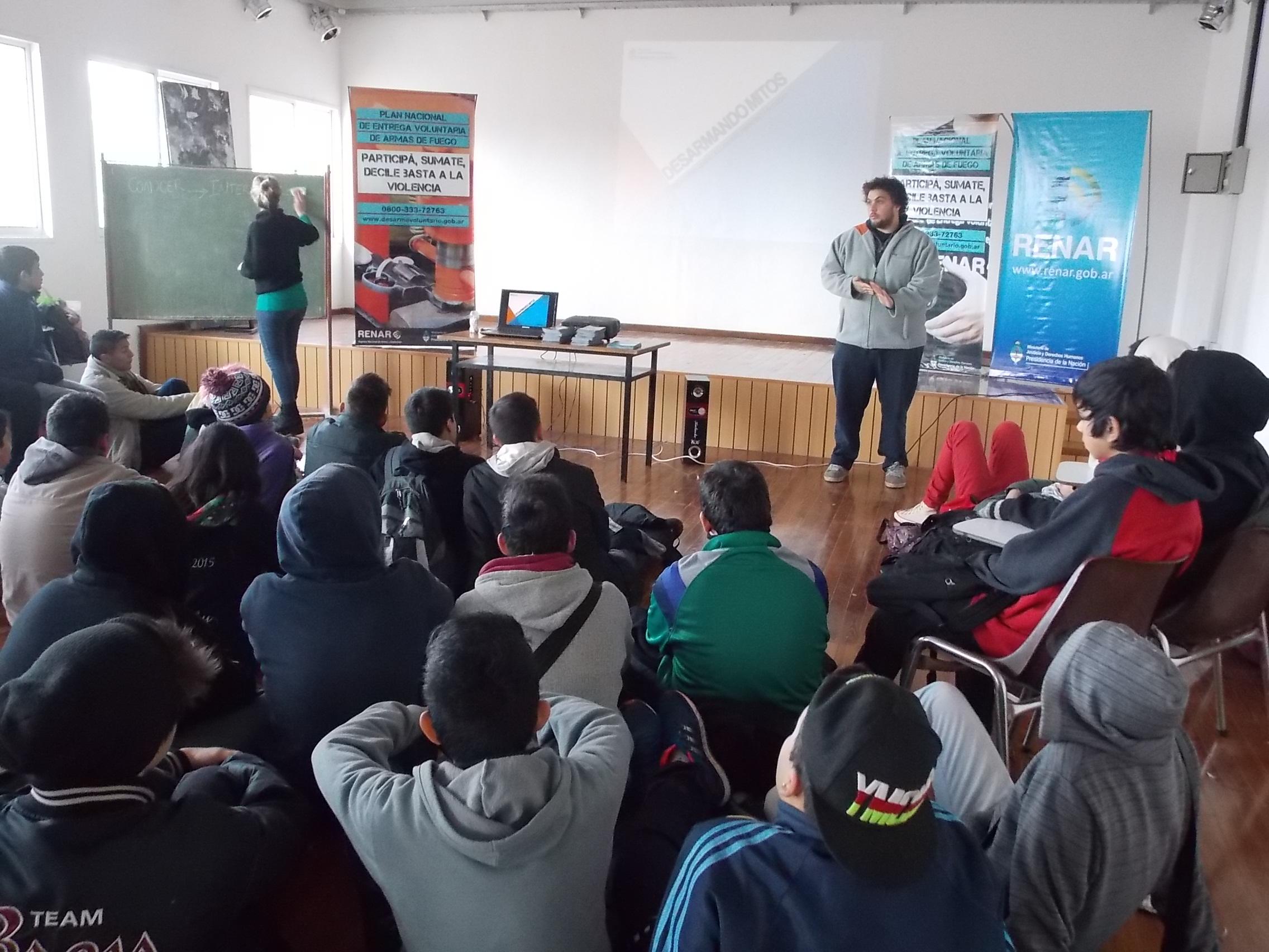 El Renar realizó una jornada de reflexión sobre violencia y armas de fuego en escuelas de San Fernando