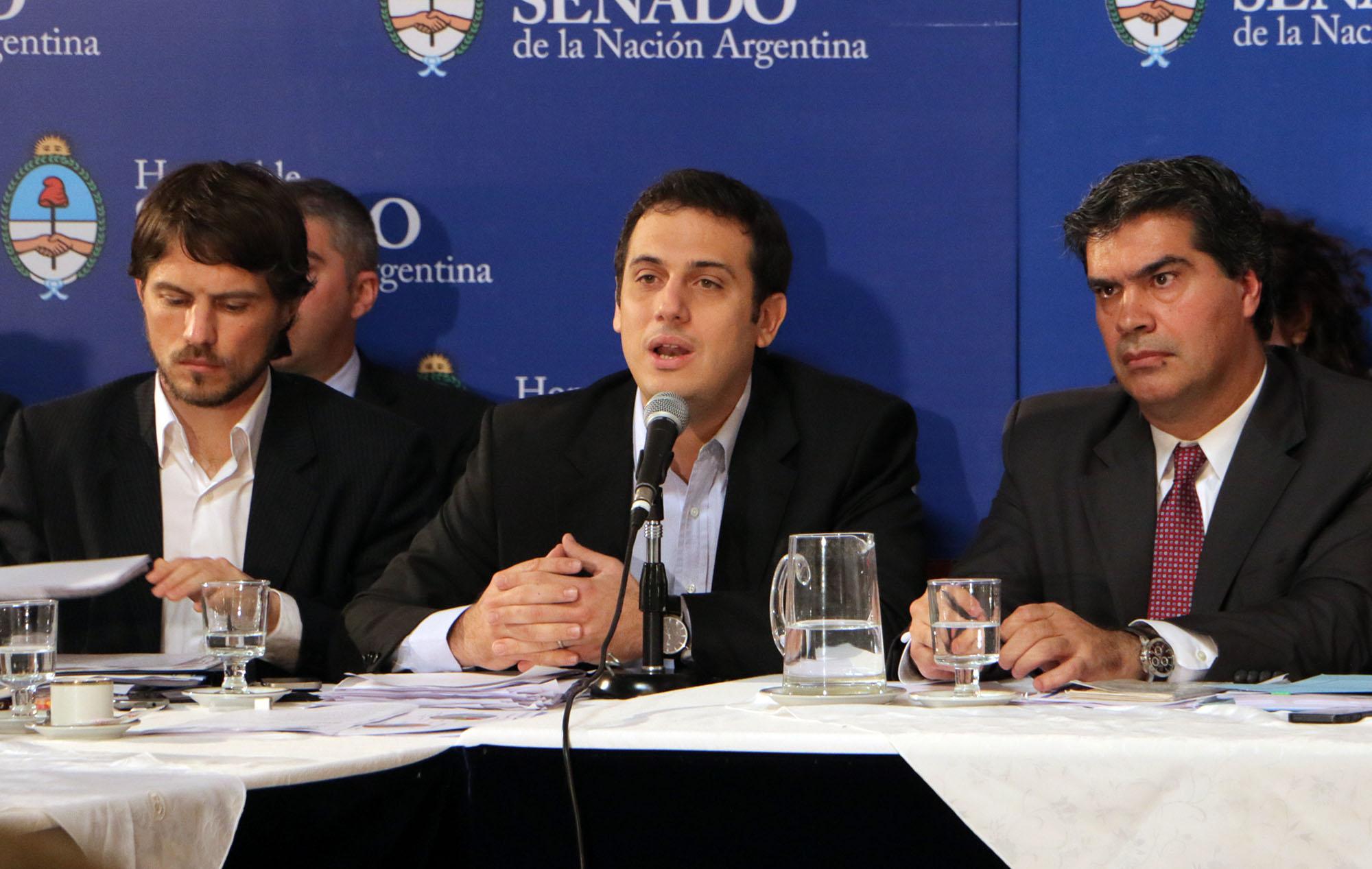 """Julián Alvarez: """"Estamos proponiendo reglas claras sobre las relaciones de consumo"""""""