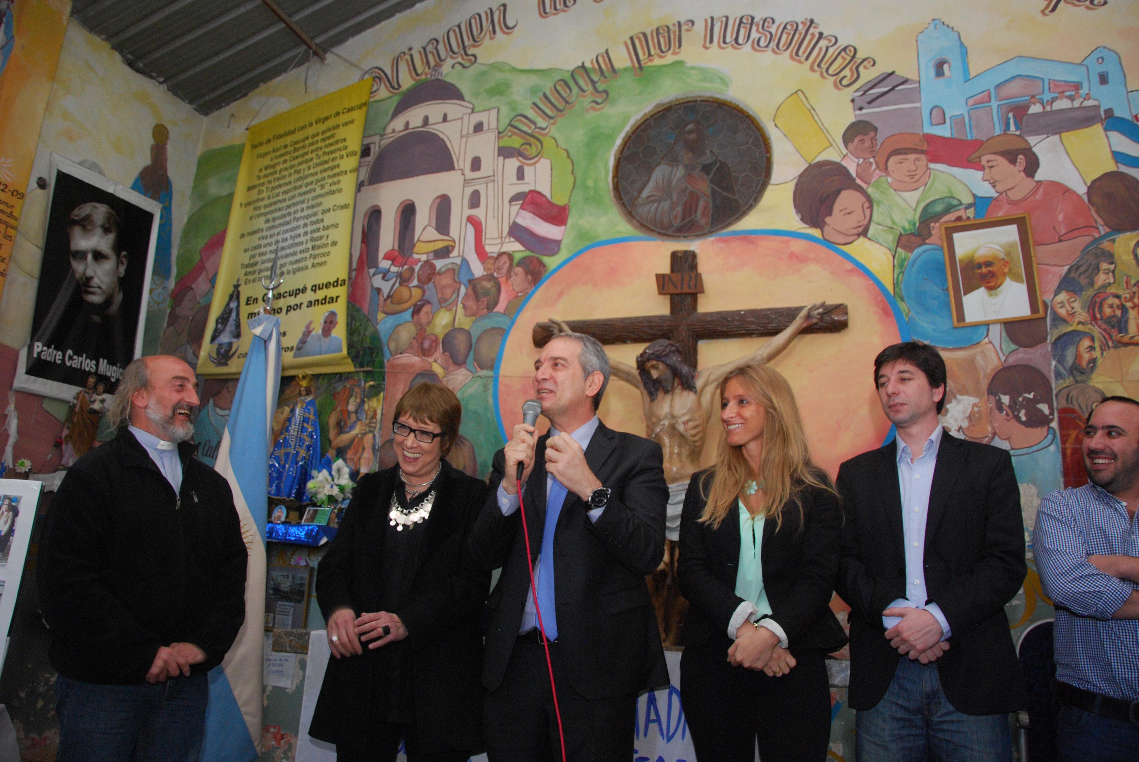 Apoyo del gobierno a las acciones del movimiento de Curas Villeros