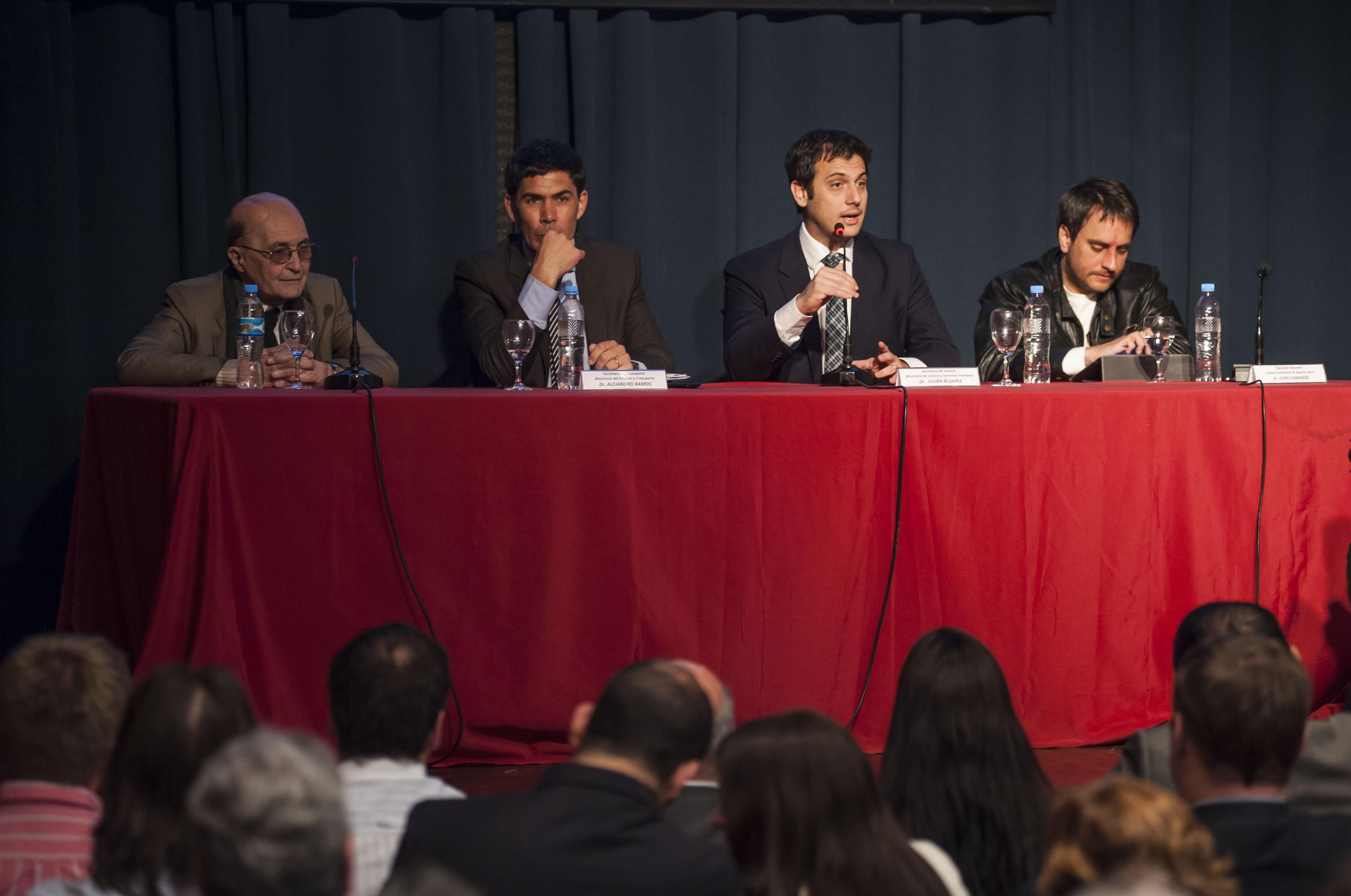 """Julián Álvarez: """"Estamos creando un sistema para solucionar los problemas de los consumidores"""""""