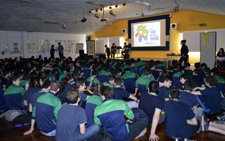 El Progrma Nacional Con vos en la Web capacitó a 350 estudiantes secundarios