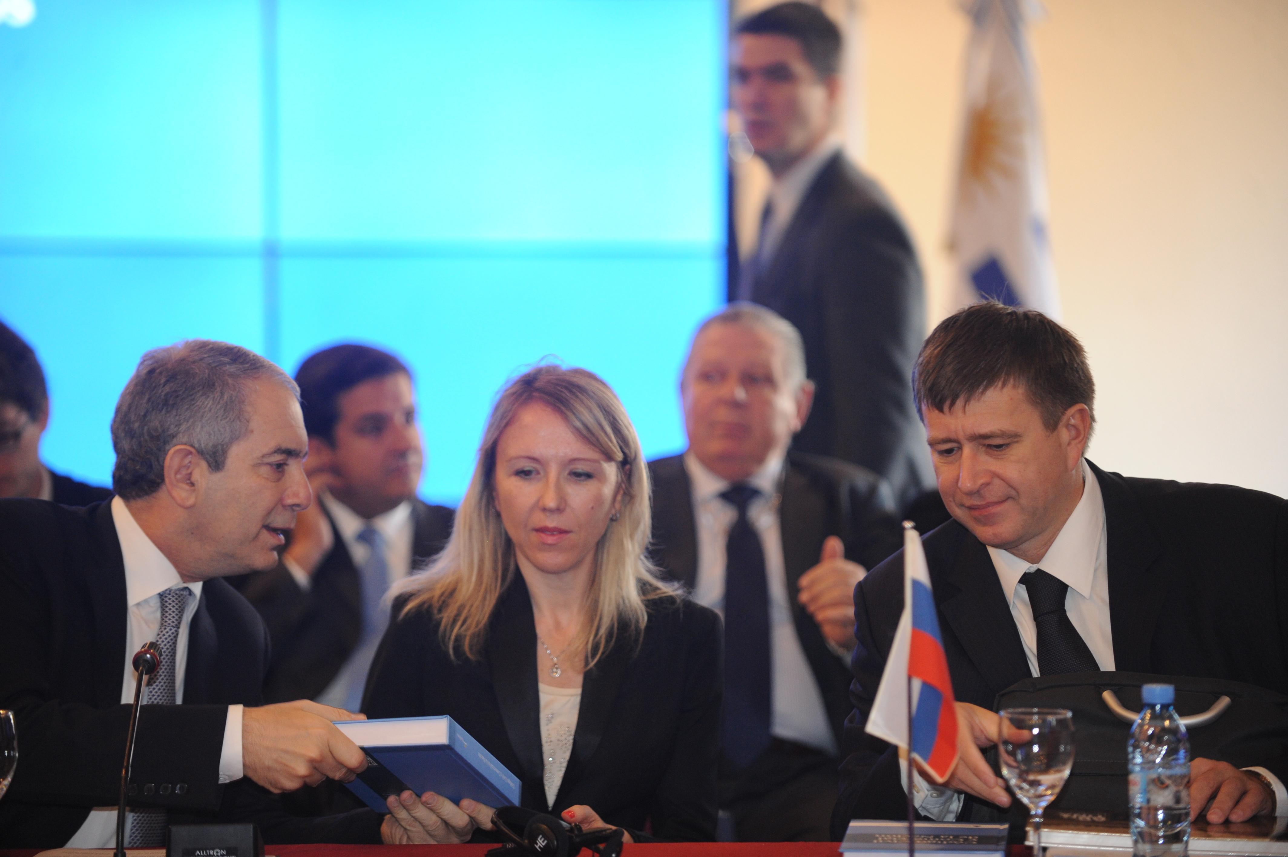 """Rusia y Argentina coinciden en construir un nuevo orden que reemplace el """"derecho de los fuertes"""""""