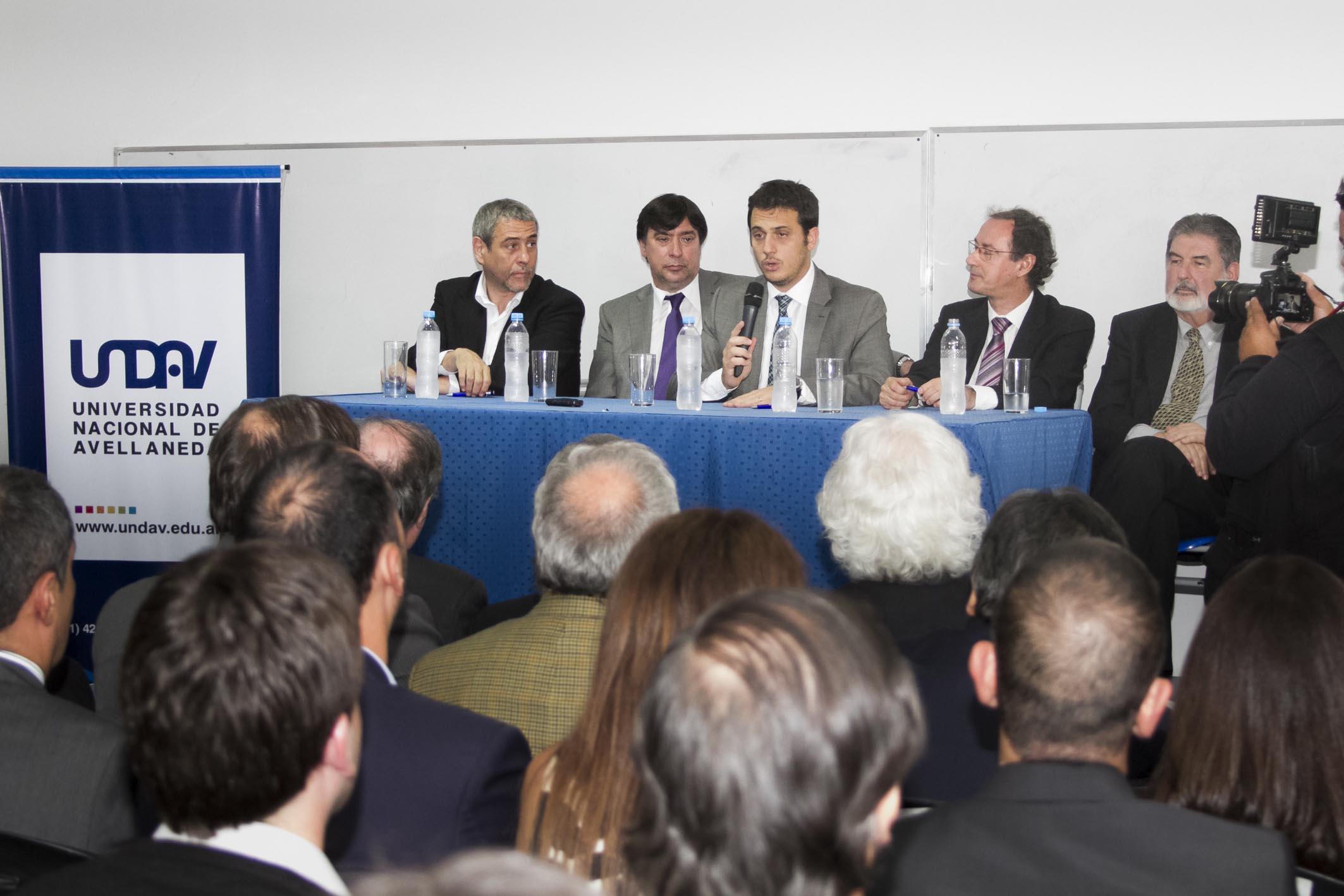 Julián Álvarez participó del lanzamiento de la carrera de Abogacía en la Universidad de Avellaneda