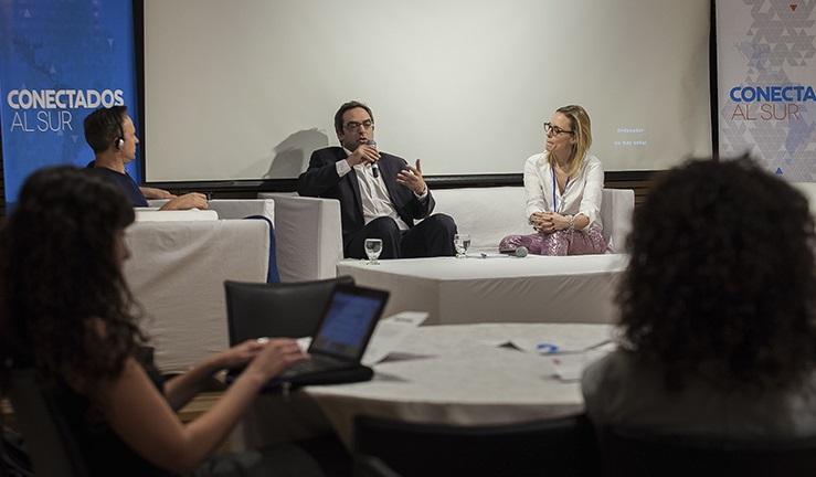 """Kreplak cerró el primer simposio regional sobre ciudadanía digital de niños, niñas y adolescentes """"Conectados al Sur"""""""