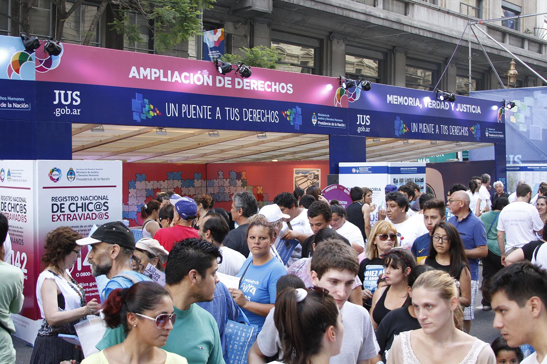 Miles de personas transitaron por el Paseo de la Justicia y los Derechos Humanos