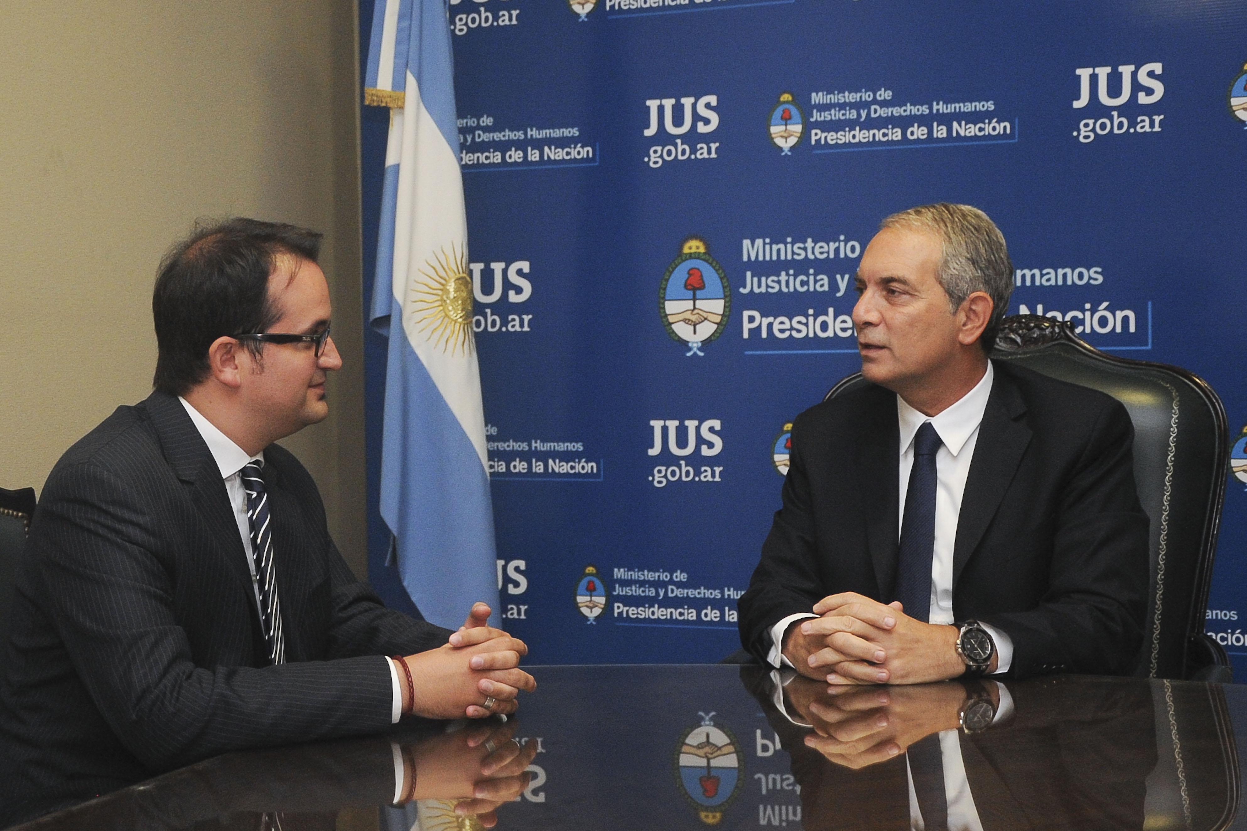 El ministro Alak recibió al doctor Roberto Carlés
