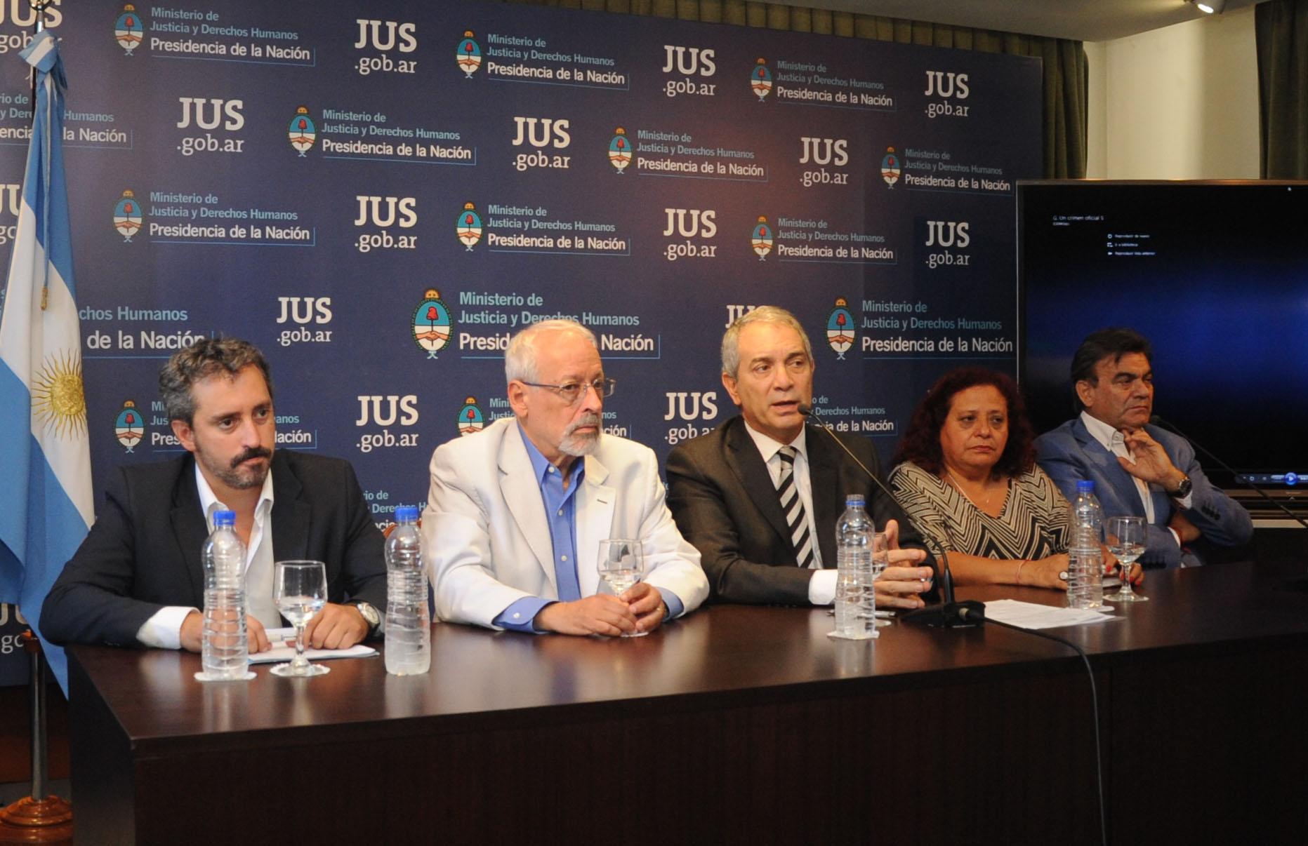 Alak encabezó acto de resarcimiento por el caso del subcomisario Gutiérrez
