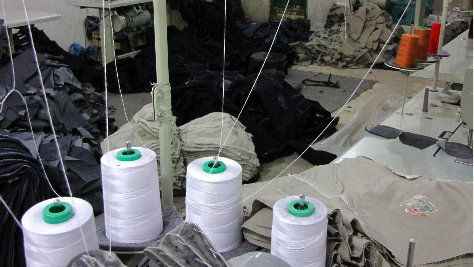Allanamiento en un taller textil en Villa Madero