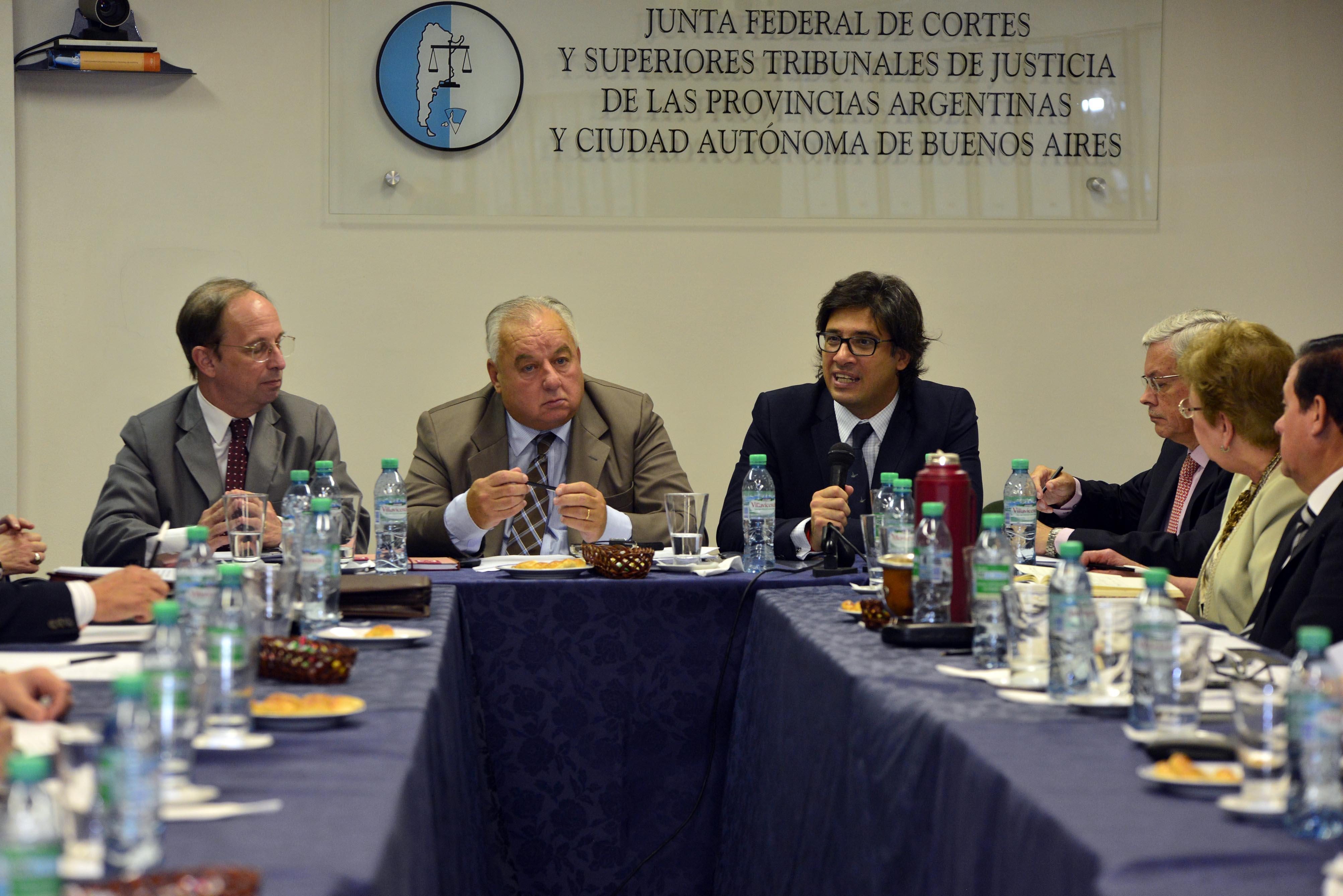 Garavano visitó a la Junta Federal de Cortes