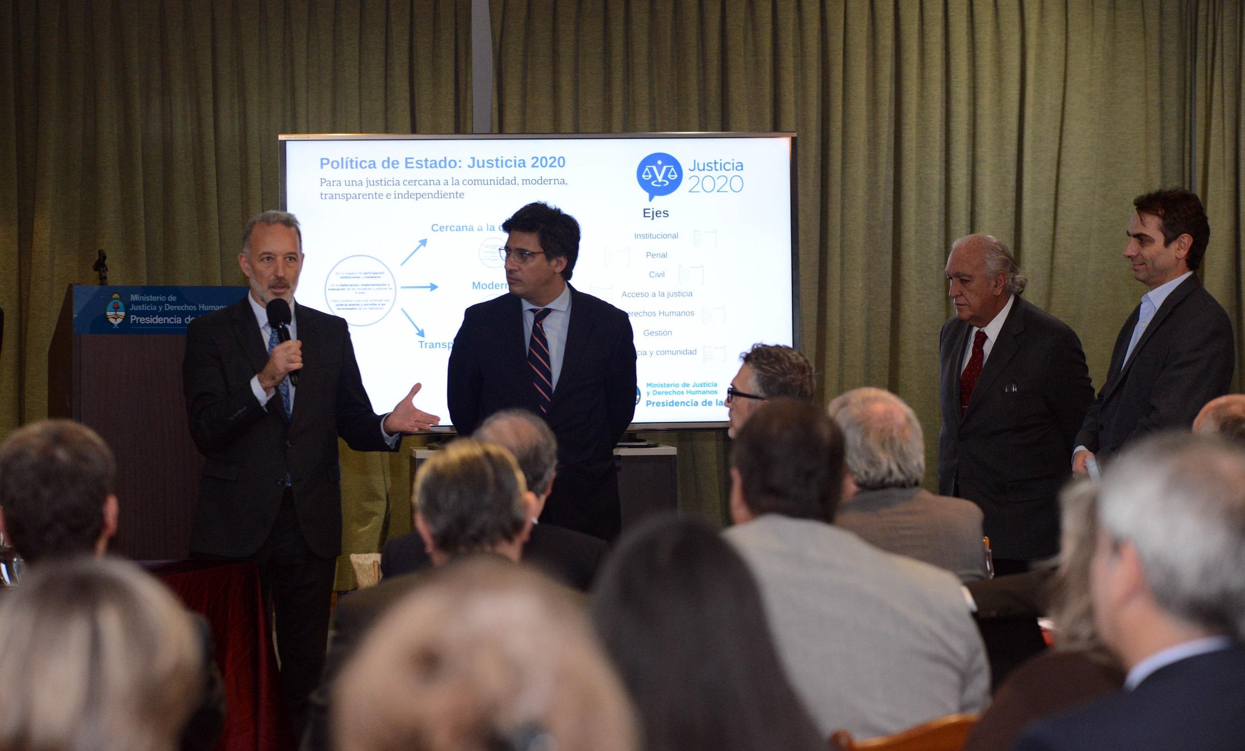 Se presentó Justicia 2020 ante decanos de Facultades de Derecho