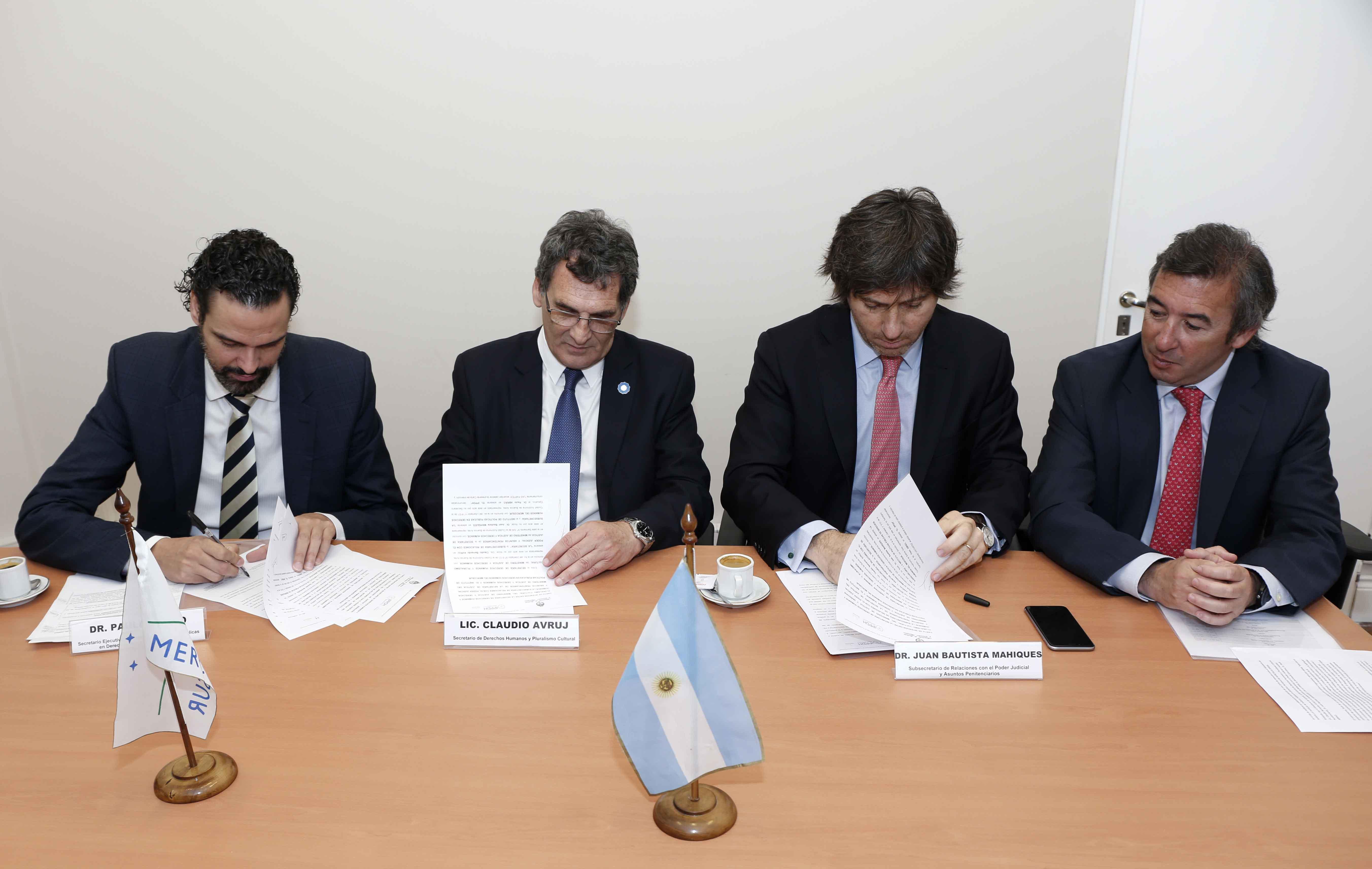 Acuerdo de cooperación entre el Ministerio y el Instituto de Políticas Públicas en Derechos Humanos del Mercosur