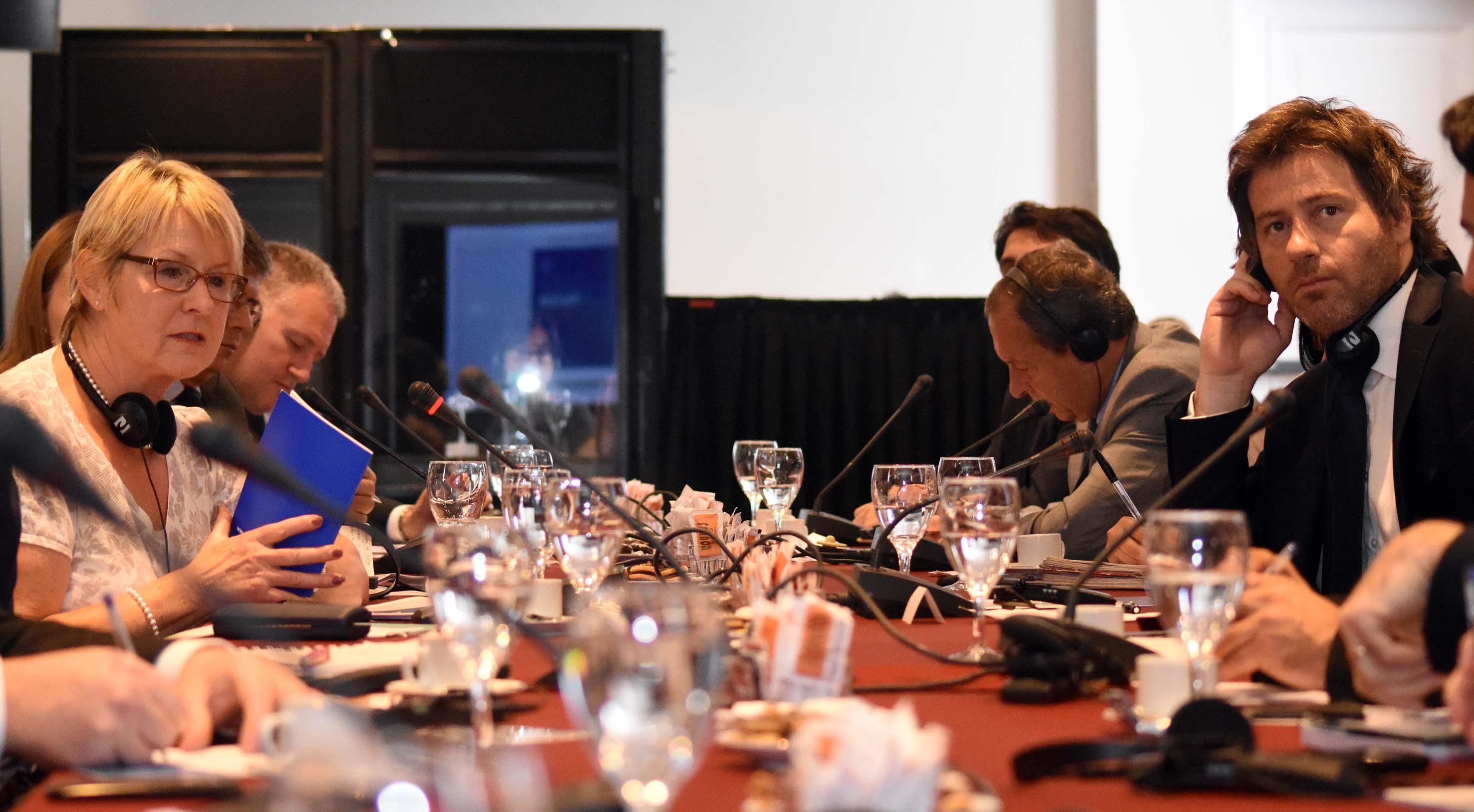 Mesa de debate sobre Ministerio Público