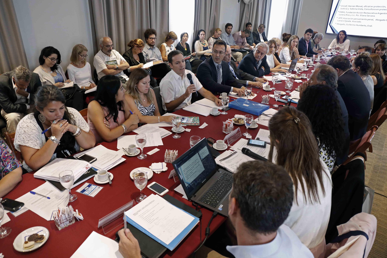 Sistema de Responsabilidad Penal Juvenil: mesas sobre justicia especializada, medidas alternativas y reunión con miembros del poder judicial