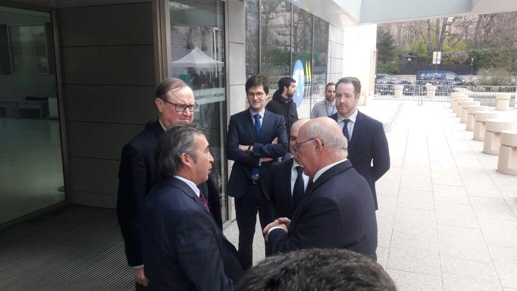 Otamendi visitó Francia como vicepresidente del GAFI