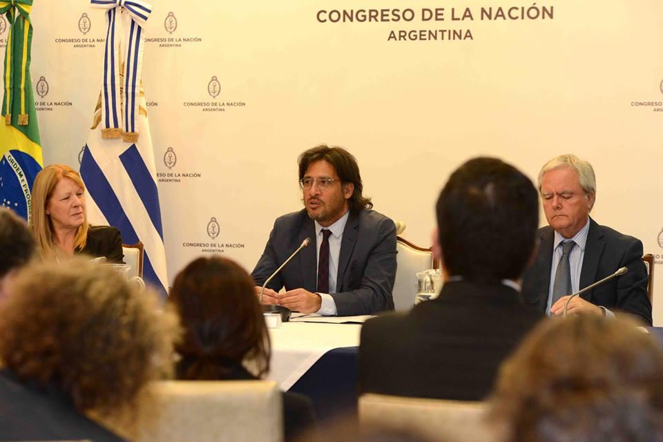 Acciones de cooperación con la Corte Penal Internacional