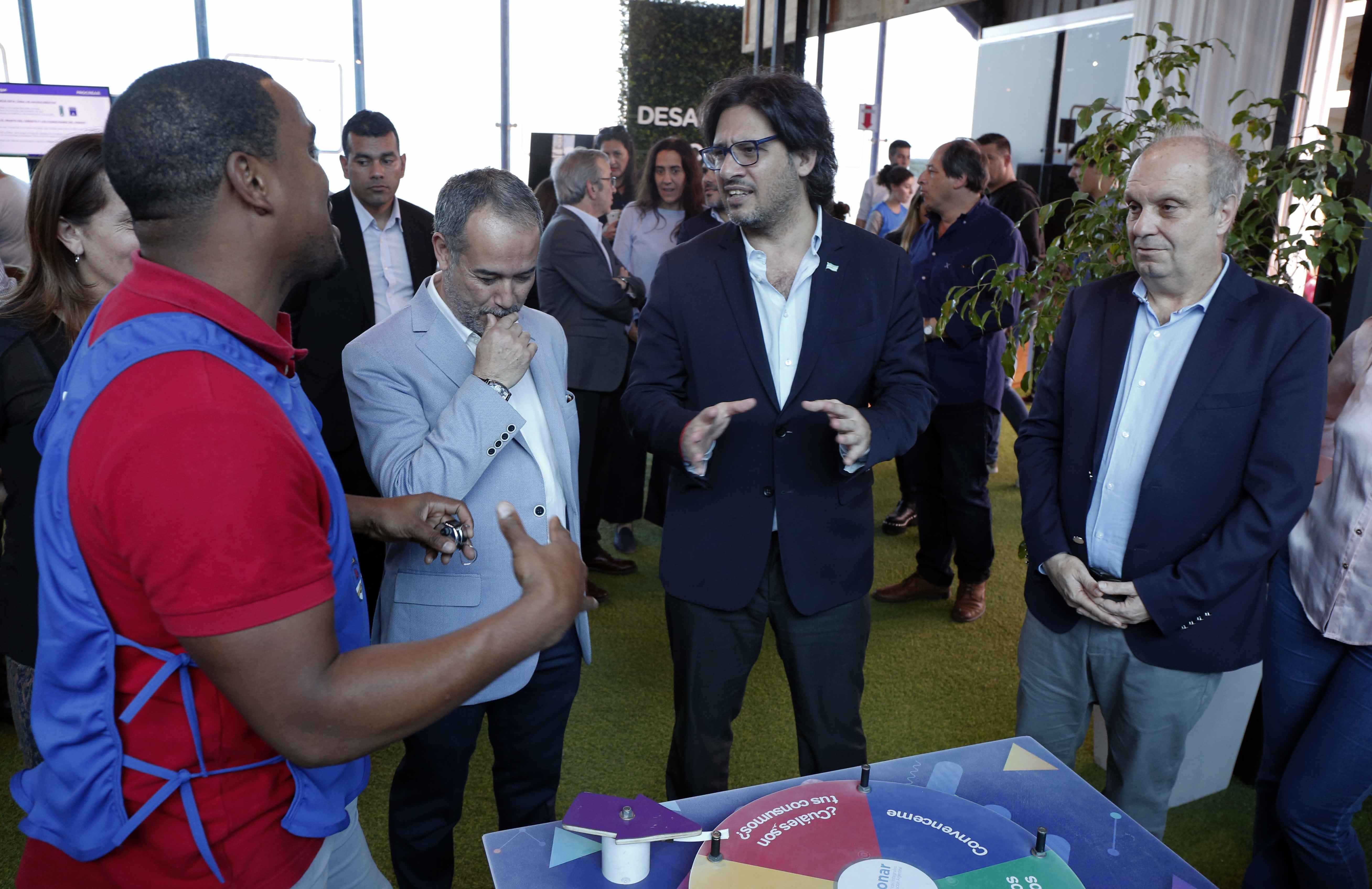 """Garavano y Lombardi lanzaron el mapa digital """"Granito de Arena"""""""