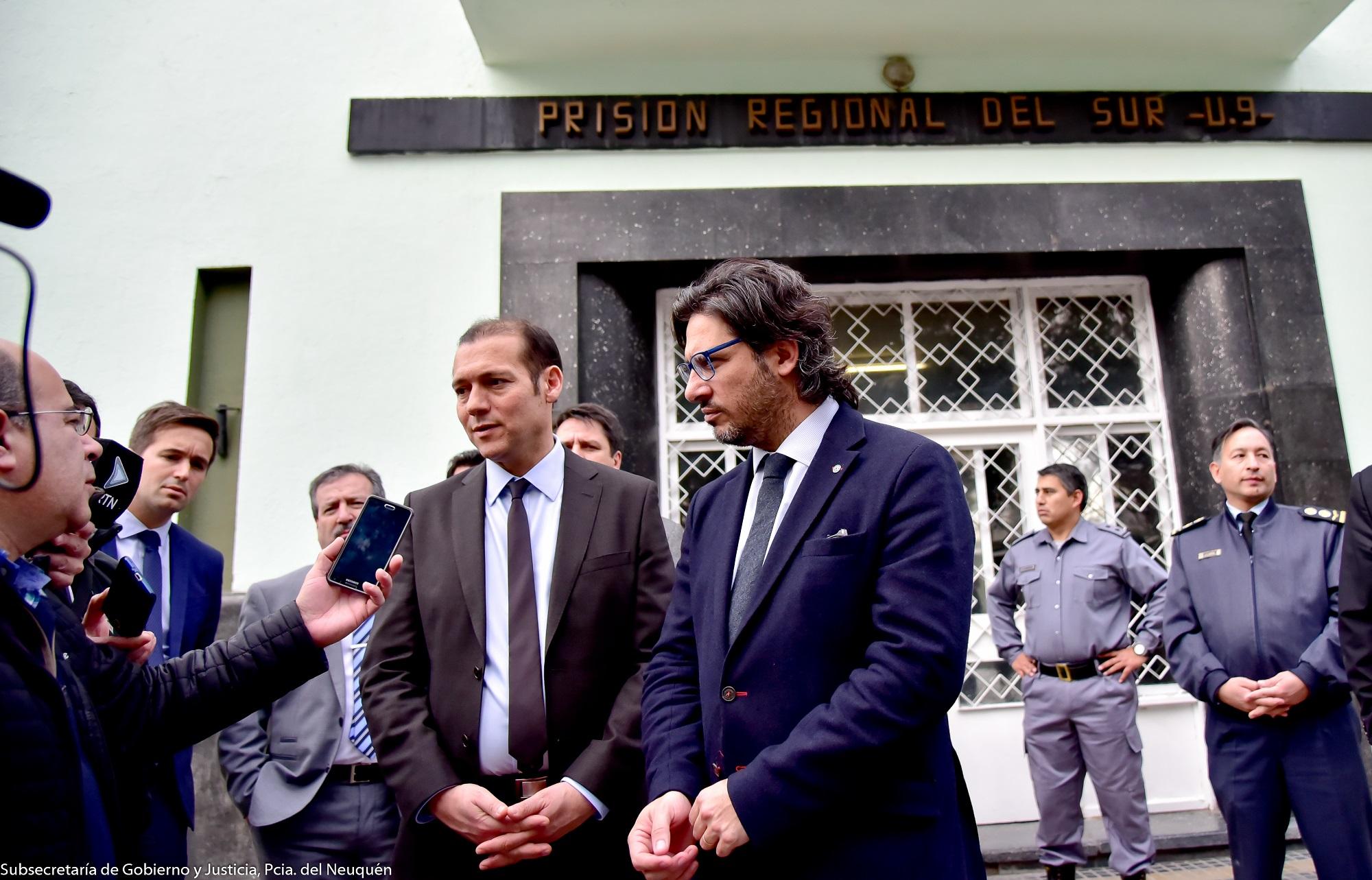 Garavano en Neuquén: entregó tobilleras electrónicas y visitó laboratorio forense