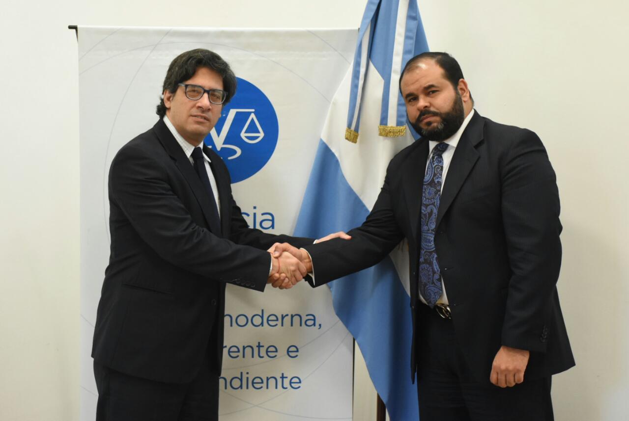 Argentina apoya a los 33 jueces venezolanos perseguidos por Maduro