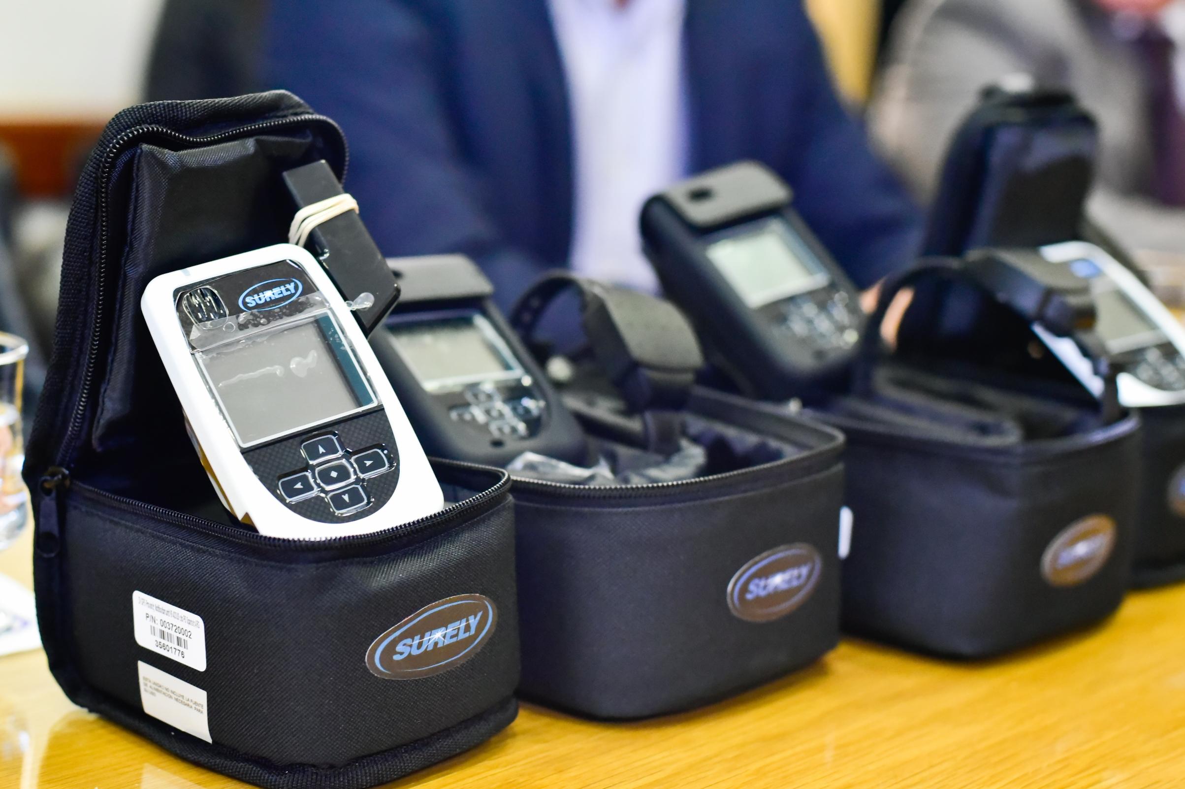 Neuquén: Nación otorgó dispositivos duales para prevenir violencia de género