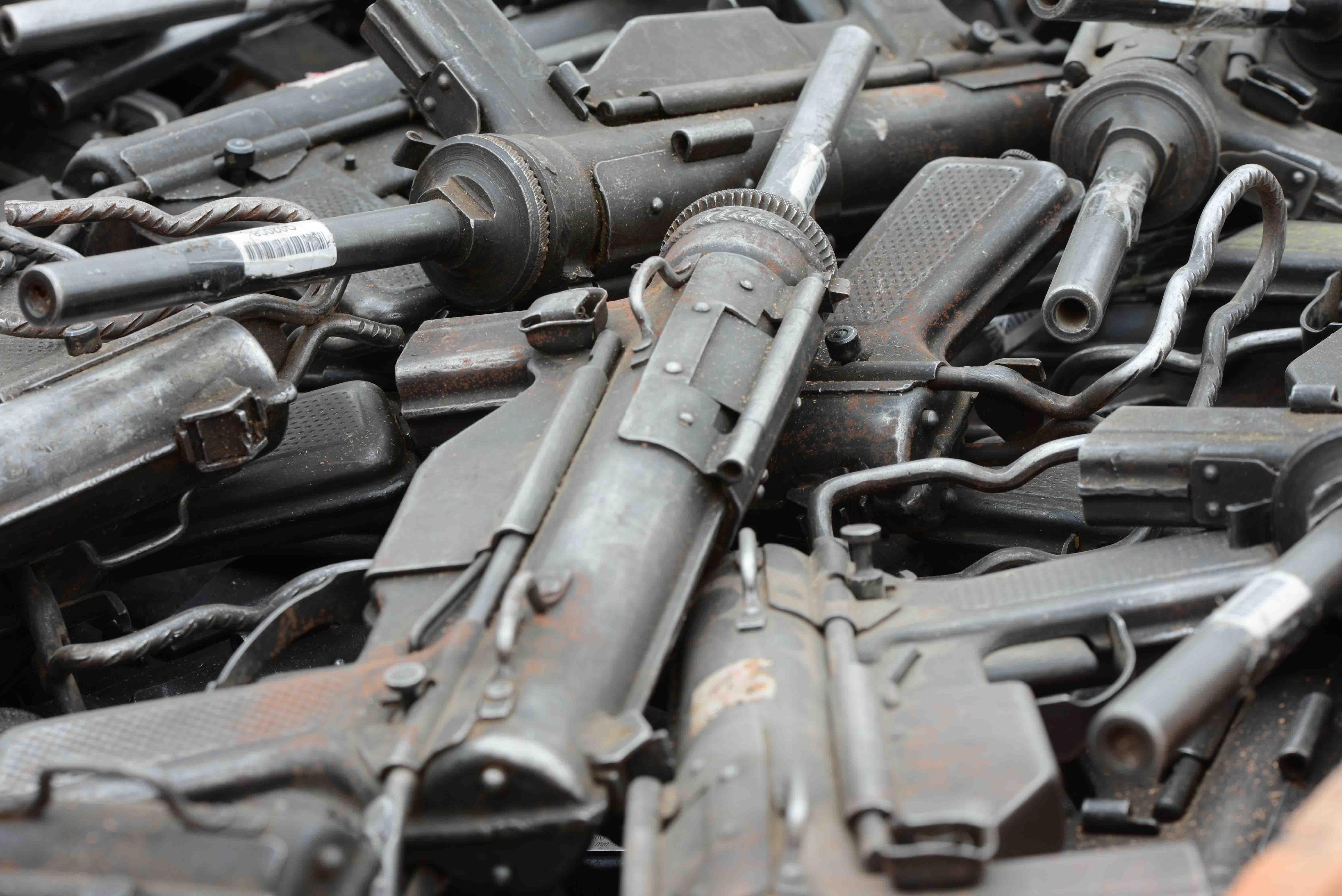 Destrucción de 32.320 armas de fuego
