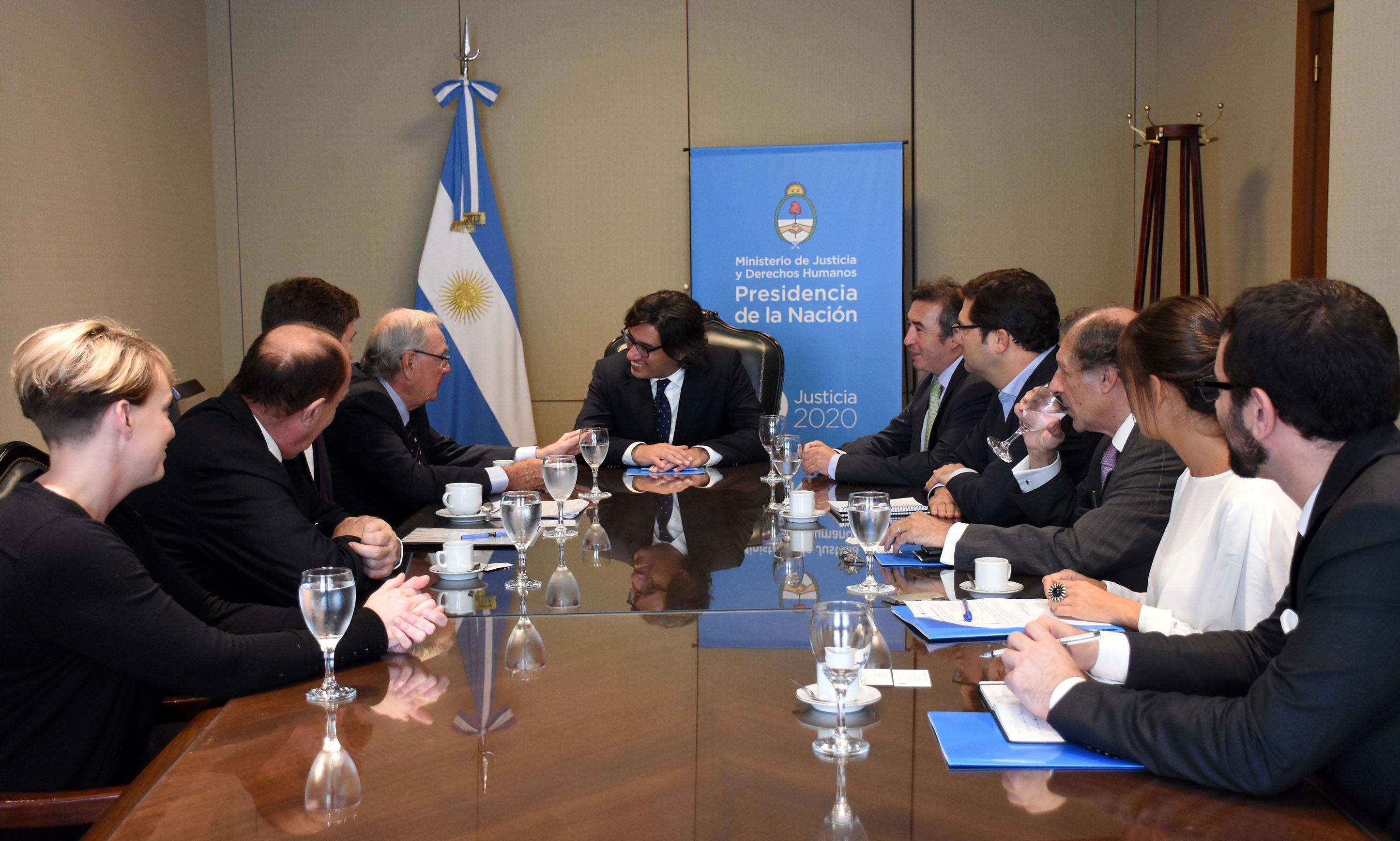 Garavano recibió al ex primer ministro de Canadá